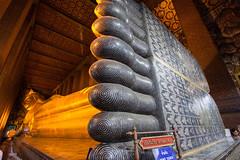 Reclining Buddha (y_phog) Tags: canon thailand bangkok buddha watpho   ef1740mmf4lusm  eos5dmarkii