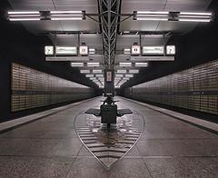 Mnchen U-Bahn Harderner Stern I (Jens Edinger Fotografie (y-oo-m)) Tags: mnchen jens ubahn stern yoom edinger harderner