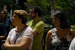 Simonetta e Margherita (Eli K Hayasaka) Tags: brazil brasil nightshot saopaulo sãopaulo centro sampa noturna caminhada apfel nightwalk noturnas vegetariano centrosp centrodesãopaulo hayasaka caminhadanoturna elikhayasaka caminhadanoturnapelocentro restaurantevegetarianoapfel