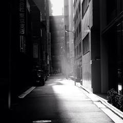 Passage (s_inagaki) Tags: street blackandwhite walking tokyo