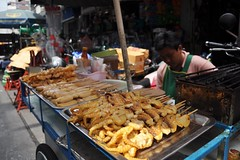 Street food (Thorsten Reiprich) Tags: city sea people urban travelling sunshine thailand spring asia day capital heat humid thep      krung