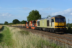 60056 working 7B02 toton to harpenden at langham jct (Iain Wright Photography) Tags: working rail db cranes tug rutland harpenden wagons dbs ballast tuggy langham schenker colas ews jct toton class60 60056 7b02 colasfreight