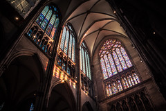 Jeux de lumière / Play of light (Gilderic Photography) Tags: cologne germany cathedral light church architecture vitrail stainglass lumiere canon 500d gilderic