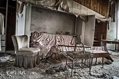 Bett (Enri-Art) Tags: lostplace vergänglich verlassen irgendwo abandoned verfall