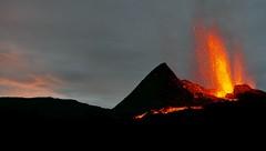 v22 (loïcabadie) Tags: eruption pitondelafournaise laréunion réunion volcan lave