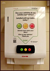 tes-vous satisfaite de vos toilettes aujourd'hui ? / Satisfied with our toilets today ? (Zinaida Beaumont (lot of work at the office)) Tags: airport geneva device genve ginevra toilets toilettes appareil avis genf cws aroport cointrin flashcode feedbock