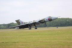 Avro Vulcan B2 (Ronnie Macdonald) Tags: airshow vulcan fairford xh558 ronmacphotos riat2013
