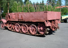 "SdKfz 9 Famo (3) • <a style=""font-size:0.8em;"" href=""http://www.flickr.com/photos/81723459@N04/9455170451/"" target=""_blank"">View on Flickr</a>"