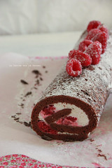 roulé103 (la cerise sur le gâteau) Tags: pink food white cooking cake dessert photography baking sweet chocolate tasty delicious patisserie pastry raspberry gâteau