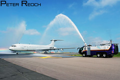WELCOMING WATER. (Peter Reoch Photography) Tags: uk classic water beautiful museum fire airport cornwall force aircraft aviation military air salute royal newquay cannon british panther raf retirement funbus vickers k3 vc10 arff nqy rffs za148