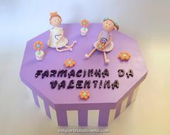 Farmacinha Bonecas Magrelas MDF (Índigo Artesanato) Tags: flores bonecas biscuit infantil caixa bebe boneca decoração mdf farmacia farmacinha