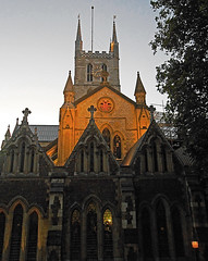 Southwark Cathedral (Dun.can) Tags: sunset london nightshot cathedral southwark se1 southwarkcathedral londonatnight stsaviour
