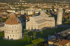 Pise_Italie_004 (Photographer for the Earth) Tags: world old city italy tower heritage church airplane francis religious photography town photo italia photographie tour unique religion aerial unesco pisa hasselblad helicopter eglise pilot italie ulm mondial patrimoine pilote arienne photographe ula hlicoptre arien pise fromthesky vuduciel h3d 39mp aerian gardeur hc55110mm