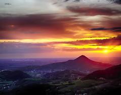 Tramonto sui Colli Euganei (tampurio) Tags: light sunset sky panorama sun sunlight clouds sunrise landscape tramonto nuvole sony hill hills cielo tramonti sole paesaggi paesaggio colline padova collieuganei colli slta58