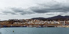 SKYLINE DE ARENYS DE MAR (Miquel Fabré) Tags: arenys miquelfabre arenysdemar maresme catalunya españa spain catalonia europa europe eu ngc puerto puertopesquero fishingport mar sea barcos boat sheeps casas houses edificios buildings nubes clouds canon canoneos6d arboles trees campanario montañas mountains skyline horizonte color colorful paisajeurbanoairelibre paseo walk viaje trip travel palmeras palmtrees pesqueros fishingboats excursion nwn 1500v60f