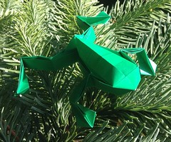 Frog (Toshikazu Kawasaki) (montanareid) Tags: green pine origami frog kami toshikazukawasaki uploaded:by=flickrmobile flickriosapp:filter=nofilter