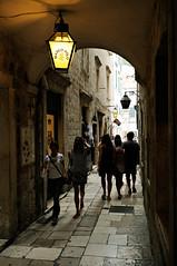 Marco Polo - Dubrovnik - Croatia (PascalBo) Tags: street shadow people woman man lamp silhouette lampe nikon europe femme croatia ombre unesco rue dubrovnik homme worldheritage croatie hrvatska d300 patrimoinemondial dubrovnikneretva pascalboegli