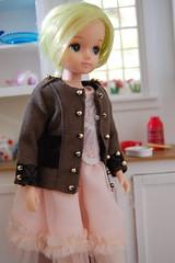 Kira in the kitchen (Emily1957) Tags: kitchen toy toys nikon doll dolls kira rement tulle takara licca militaryjacket nikond40 liccafriend miniaturekitchen rvederui xelhasdollies