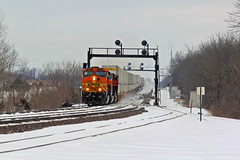 BNSF 4075 Dash's through the snow. (Machme92) Tags: railroad santafe trains ge bnsf railroads atsf railfanning dash9