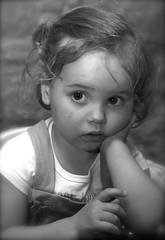 IMG_8442 - Version 2 (Pedro Montesinos Nieto) Tags: blancoynegro blackwhite retrato nios fragile ageofinnocence miradas laedaddelainocencia frgiles
