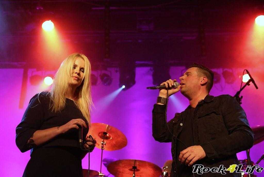 Tribute Rocknight        08-02-2014          U2 & Anouk (18)