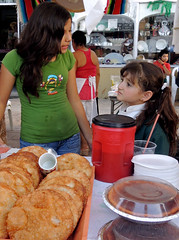 San José del Cabo Food Festival (cowyeow) Tags: street travel girls portrait people food latinamerica girl festival mexico cabo women pretty desert candid young sanjose stall mexicanfood celebration mexican teenager bajacalifornia baja bajasur sanjosé sanjosédelcabo teenage foodfestival mexixo