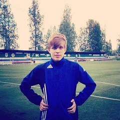 #boy #me #jewish #jew #jewishboy #blondejew #shalom #football #stadium #sport #guy #beuty #beutyful #guys #blondeguys #blondeguy #blondeboy (sachetya) Tags: boy guy me sport football stadium guys jew jewish shalom beuty blondeguy blondeboy blondeguys beutyful jewishboy blondejew