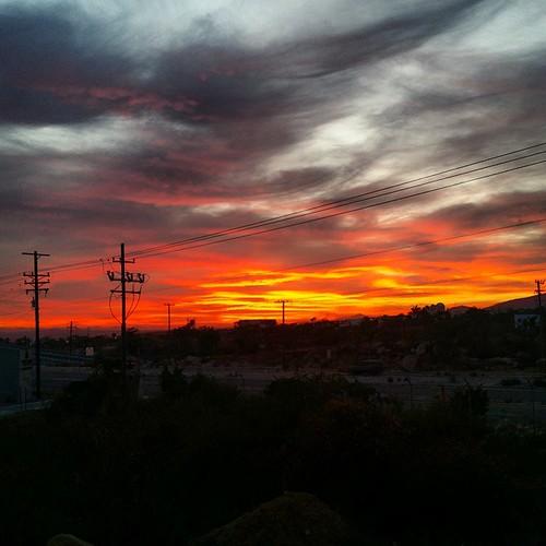 Bellusima la puesta de sol desde Puerta Vieja.Just Amazing.