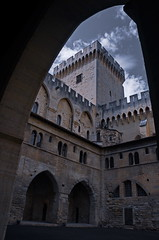 0293 - Europatour 2014 - Frankreich - Avignon - Pabstpalast (uwebrodrecht) Tags: france castle frankreich europa schloss avignon palast uwe papst brrodrecht