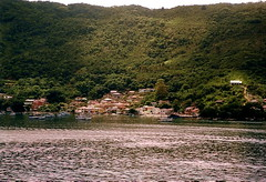 Porto Belo (Sereiazinha Si) Tags: city sea cidade brazil mountain verde green praia beach brasil mar barco portobelo santacatarina montanha mataatlntica atlanticrainforest