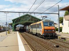 SNCF 26122 met containertrein te Perpignan (Allard Bezoen) Tags: station train de gare loc bb alstom perpignan trein containers sncf sybic eloc 26000 26122 bb26000 bicourant containertrein 426122