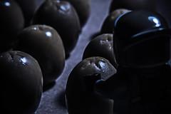 Oleum 8 (Ignacio M. Jiménez) Tags: ignaciomjiménez macromondays egg huevos alien aceitunas lego 7dwf