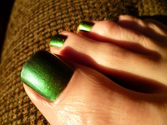 Great green close view (toepaintguy) Tags: male guy men man masculine boy nail nails fingernail fingernails toenail toenails toe foot feet pedi pedicure sandal sandals polish lacquer gloss glossy shine shiny sexy fun daring allure gorgeous green st saint patrick color changer ilnp shimmer
