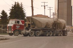 "White Road Commander, ""Koenig"" (PAcarhauler) Tags: white coe cabover semi truck trailer tractor"