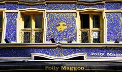 Per le vie di Parigi - [Explored 14/03/2017] (Valdy71) Tags: parigi paris france francia street art window finestra