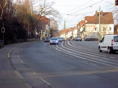 Bielefeld - Detmolder Strae 06 (Stefan_68) Tags: road city germany deutschland town pavement sidewalk stadt owl nrw rue nordrheinwestfalen bielefeld ostwestfalen brgersteig gehweg northrhinewestphalia strase b66 strasenbahnschienen detmolderstrase bundesstrase66