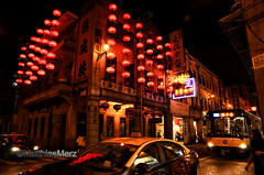 <Red Lantern>_13A5588167 (camera2m) Tags: city people colour car architecture night nikon traffic lantern macao