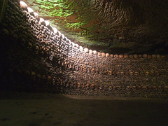 2013, the year of Paris: Catacombs (Simon_K) Tags: paris france skulls death mort bones skeletons tunnels catacombs pariswanderblogspotcouk