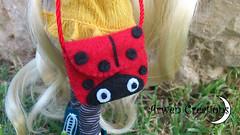 Ladybug bag for pullip (Arwen) Tags: hello white bag doll handmade kitty felt planning wig groove cancan bjd pullip bolso sbhs hechoamano fieltro obitsu yosd junn rewiged arwencreations