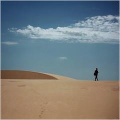 Padoce du Ceu Azul (cisco image ) Tags: sky silhouette azul clouds canon square sand nuvole desert dune footprints cielo soul azzurro ceu brasile maranho deserto orme sabbia impronte barreirinhas 500x500 lenzuola soulsound eos5dmarkii lenismaranhensesnationalpark