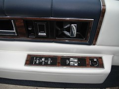 1987 Cadillac Coupe deVille (smokuspollutus) Tags: lights twilight gm exterior interior 1987 cadillac seats deville coupe v8 fwd sentinel dimming cbody ht4100 bluewhitecombo