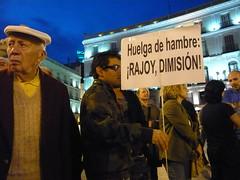 HUALGA DE HAMBRE ¡RAJOY DIMISIÓN! 18O#236 (Jül2001) Tags: protest revolution revolución politica puertadelsol 15m manifestaciones protestas spanishrevolution 15mayo huelgadehambre movimientossociales indignados acampadasol actoreivindicativa motivosdealex motivosdejorge