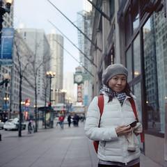 Louise on the street (Petit Ming) Tags: usa chicago film rolleiflex kodak epson portra schneider 75mm 400nc 35f v700 xenotar silverfast gtx900