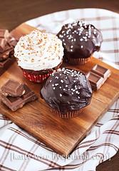 Chocolate-chocolate chunk muffins (Katty-S) Tags: party cake breakfast muffins baking sweet chocolate desserts cupcake pastry bake