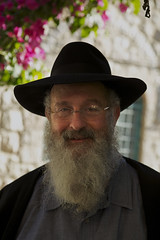 (Caitlin H. Faw) Tags: light shadow portrait man color hat canon beard eos glasses israel jerusalem may jewish 5d yerushalayim markiii musrara 2013 caitlinfaw caitlinfawphotography