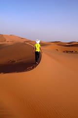 Youssef, la nostra guida (lepustimidus) Tags: sahara desert morocco maroc marocco deserto merzouga ergchebbi