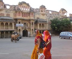 Women walking in Jaipur, Rajasthan