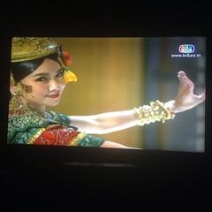 """""""อีสา""""ในจอทีวึก็จบตอนของวันนี้ไปแร๊ะ แต่""""อีโง่""""ในประเทศไทย จะจบยังไง ถูกใจท่านผู้ชมหรือเปล่านะ"""