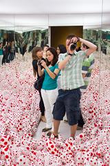"""Infinity Mirror Room - Phalli's Field"" by Yayoi Kusama, Centro Cultural Banco do Brasil (CCBB), Rio de Janeiro (maxunterwegs) Tags: brazil selfportrait art espelho brasil riodejaneiro museum mirror artist arte spiegel kunst brasilien ccbb installation espejo miroir brsil yayoikusama centroculturalbancodobrasil"