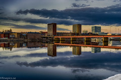 En del av Umeå (johan.bergenstrahle) Tags: 2016 finepics umeälv umeå april cityscape hdr kväll landscape landskap longexposure långtid reflection river solnedgång spegling stadsbild sunset sverige sweden umeriver vår älv